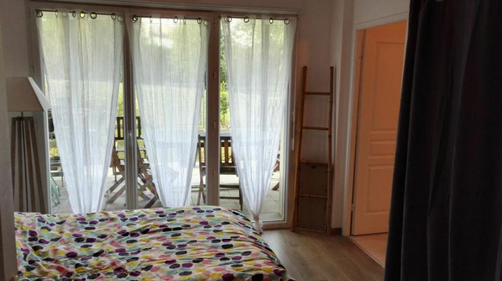Achat Appartement 4 pièces à Neuville-sur-Saône - vignette-4
