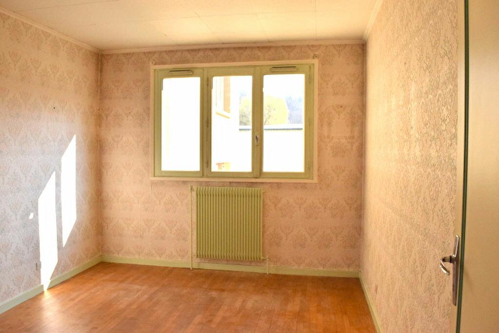 Achat Appartement 4 pièces à Fontaines-sur-Saône - vignette-6