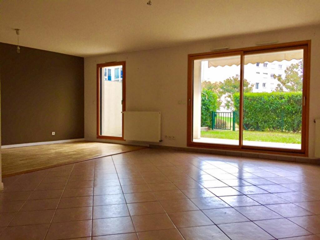 Achat Appartement 4 pièces à Tassin-la-Demi-Lune - vignette-1