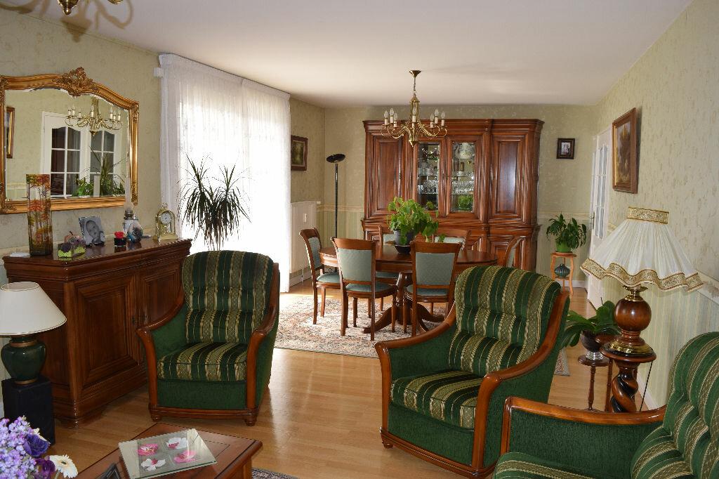 Achat Appartement 6 pièces à Caluire-et-Cuire - vignette-3