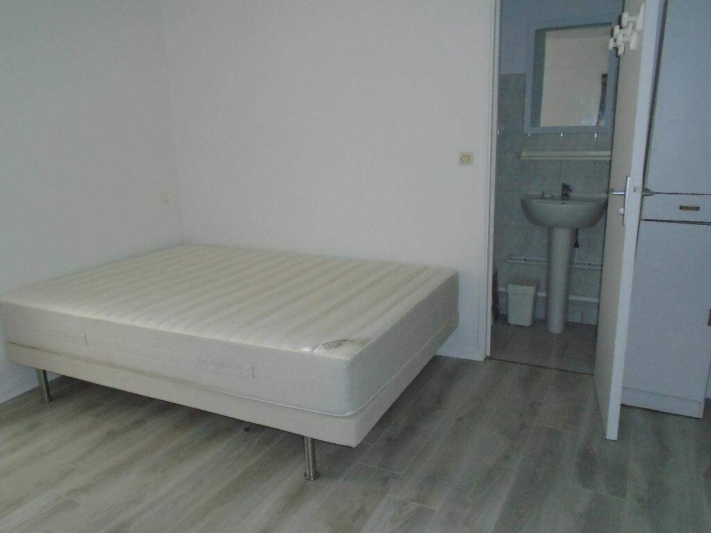 Location Appartement 2 pièces à Reims - vignette-2