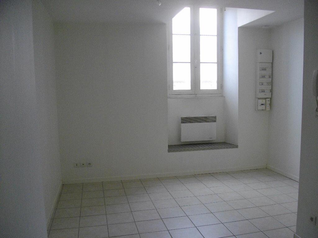 Location Appartement 2 pièces à Bourges - vignette-2