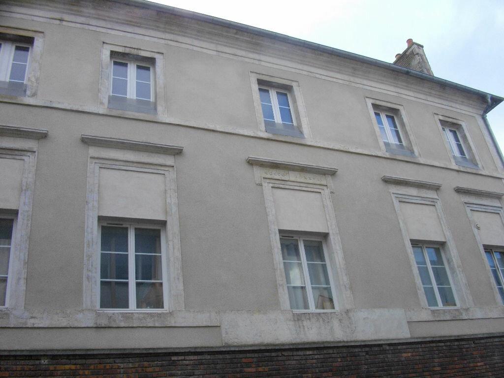 Location Appartement 2 pièces à Bourges - vignette-3