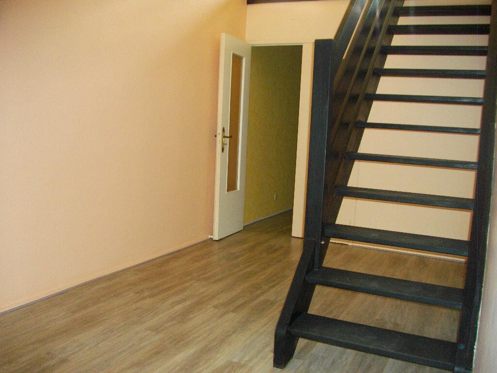 Location Appartement 4 pièces à Bourges - vignette-7