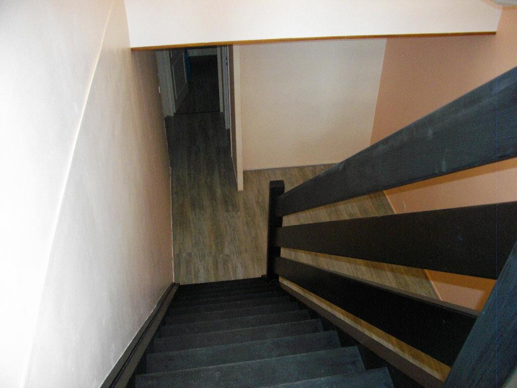 Location Appartement 4 pièces à Bourges - vignette-8