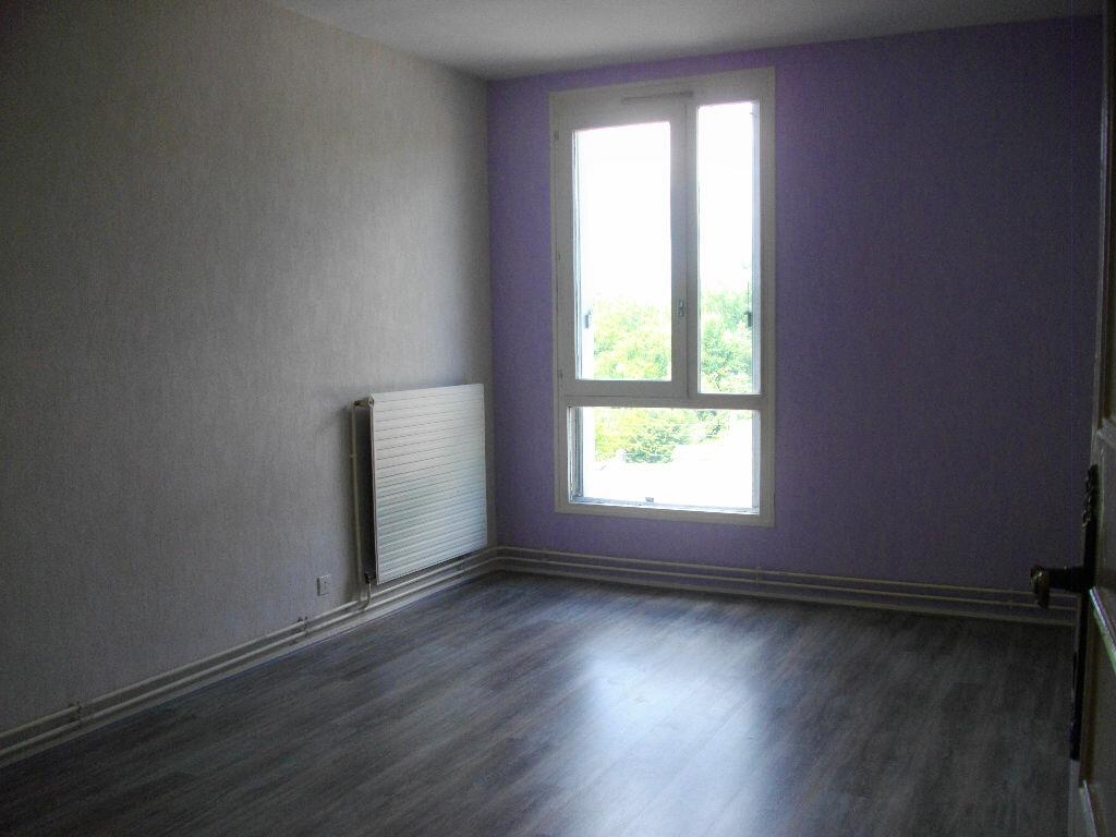 Location Appartement 4 pièces à Bourges - vignette-14