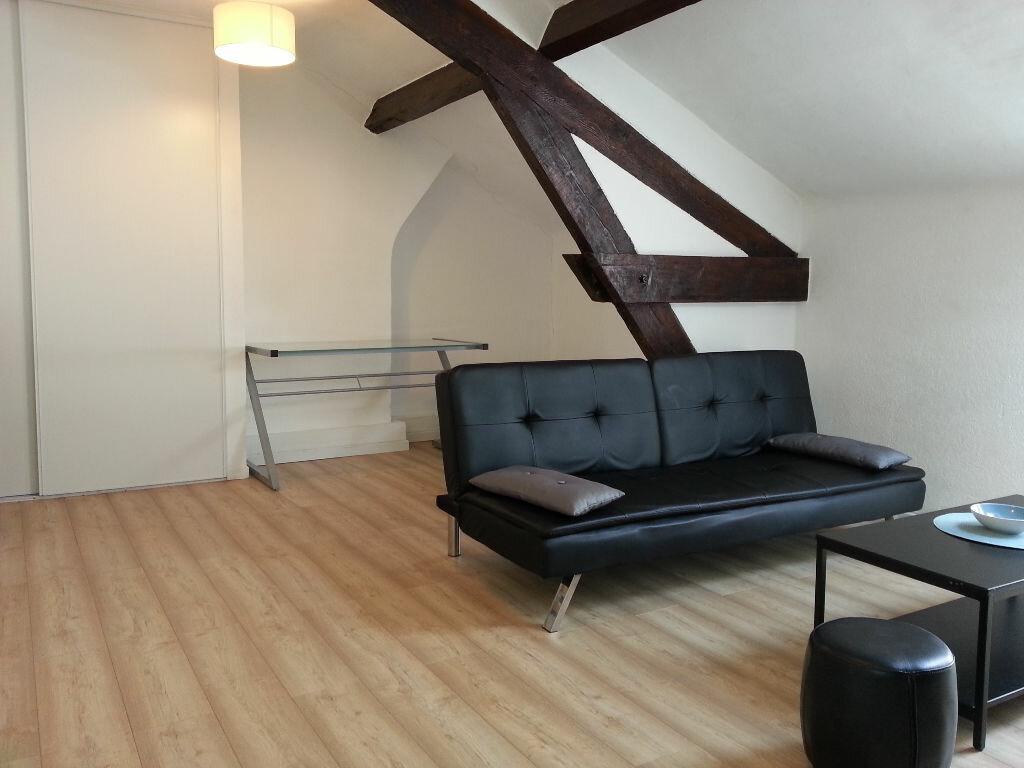 Location Appartement 1 pièce à Cannes - vignette-1