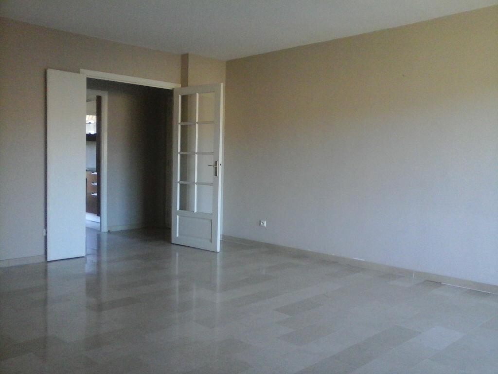Achat Appartement 4 pièces à Mougins - vignette-2