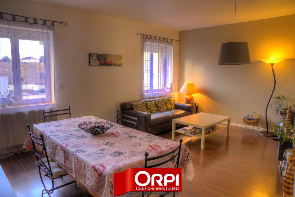 Achat Appartement 4 pièces à Bourgoin-Jallieu - vignette-1