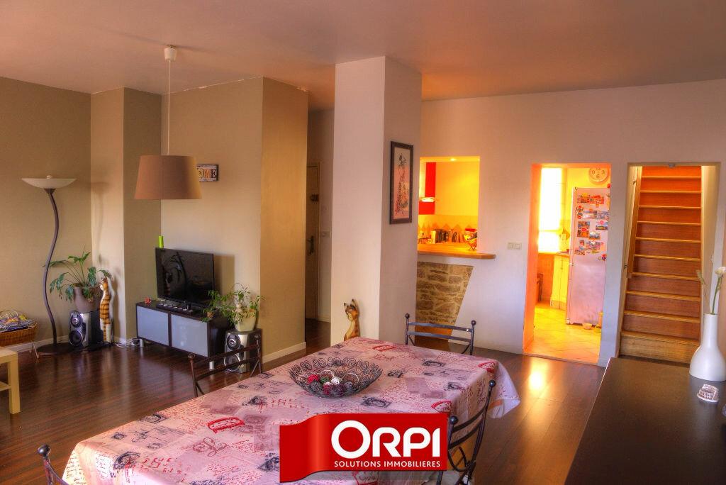 Achat Appartement 4 pièces à Bourgoin-Jallieu - vignette-2