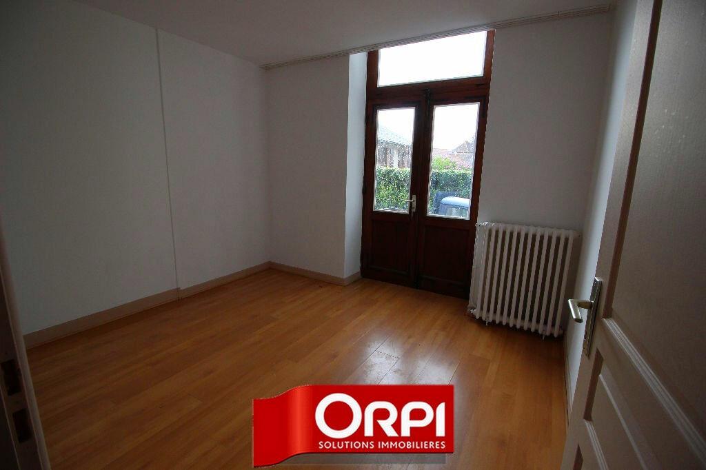 Achat Appartement 4 pièces à Saint-Clair-de-la-Tour - vignette-5
