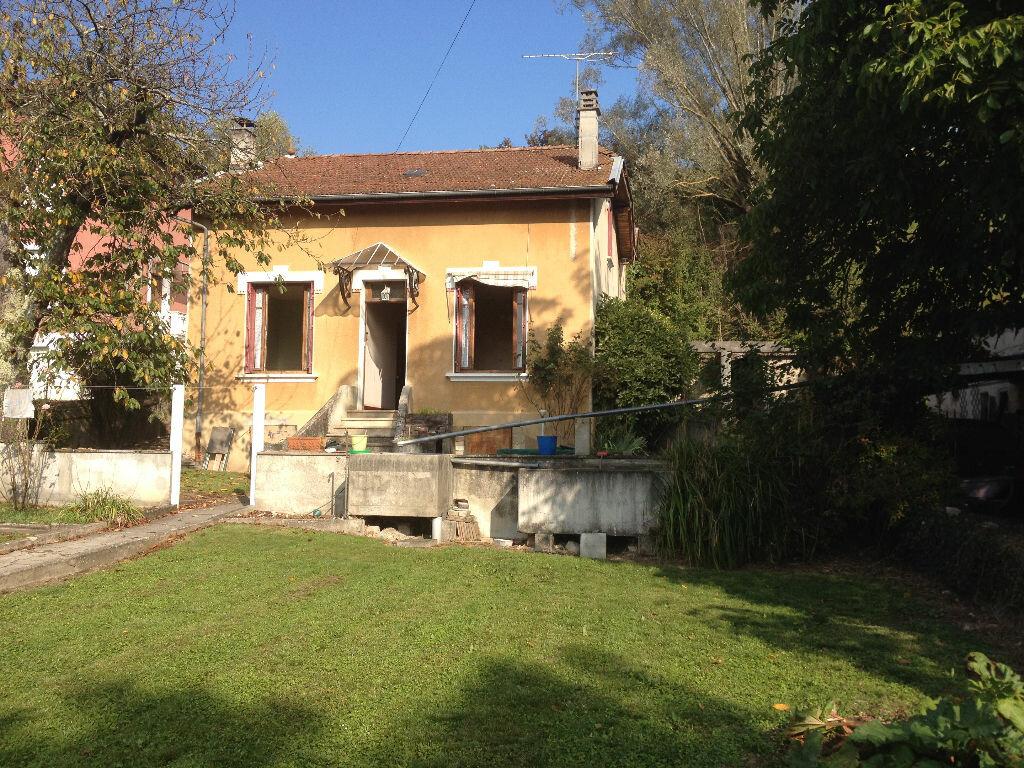 Achat Maison 6 pièces à La Chapelle-de-la-Tour - vignette-4