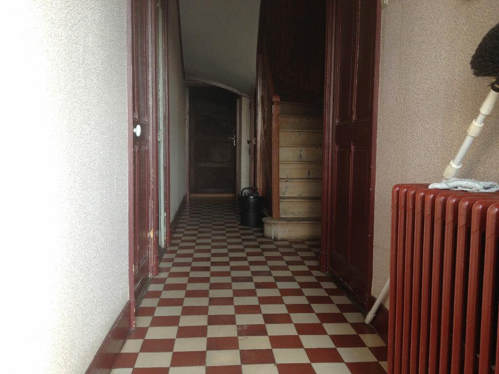 Achat Maison 6 pièces à La Chapelle-de-la-Tour - vignette-7