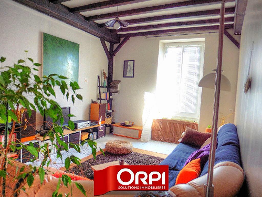 Achat Appartement 4 pièces à La Tour-du-Pin - vignette-1