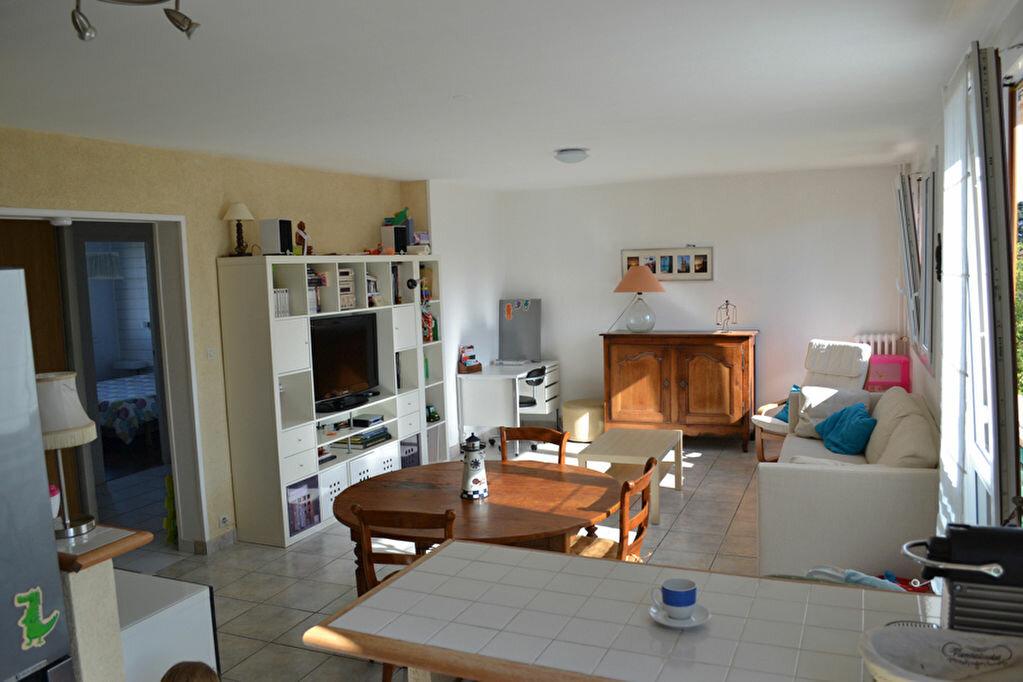 Achat Appartement 3 pièces à Saint-Cyr-sur-Loire - vignette-1