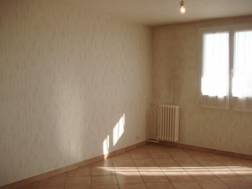 Achat Appartement 3 pièces à Joué-lès-Tours - vignette-3