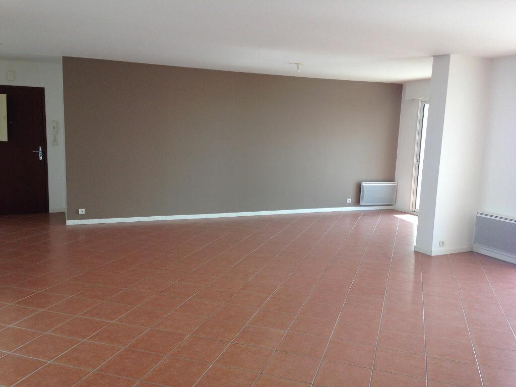 Achat Appartement 5 pièces à La Rochelle - vignette-3