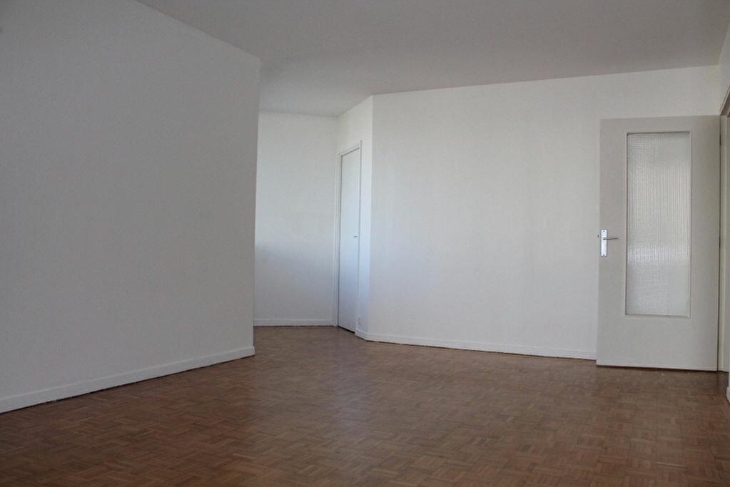 Achat Appartement 3 pièces à Saint-Germain-en-Laye - vignette-1