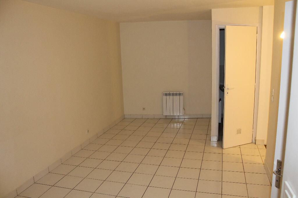 Location Maison 4 pièces à Chambourcy - vignette-1