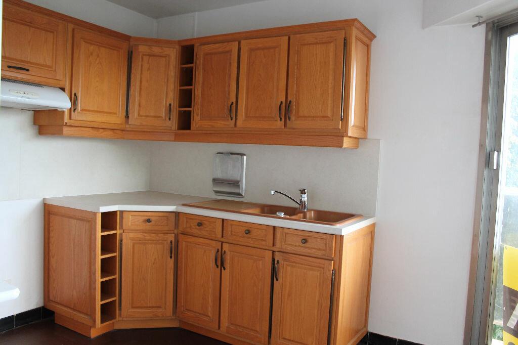 Achat Appartement 4 pièces à Saint-Germain-en-Laye - vignette-3