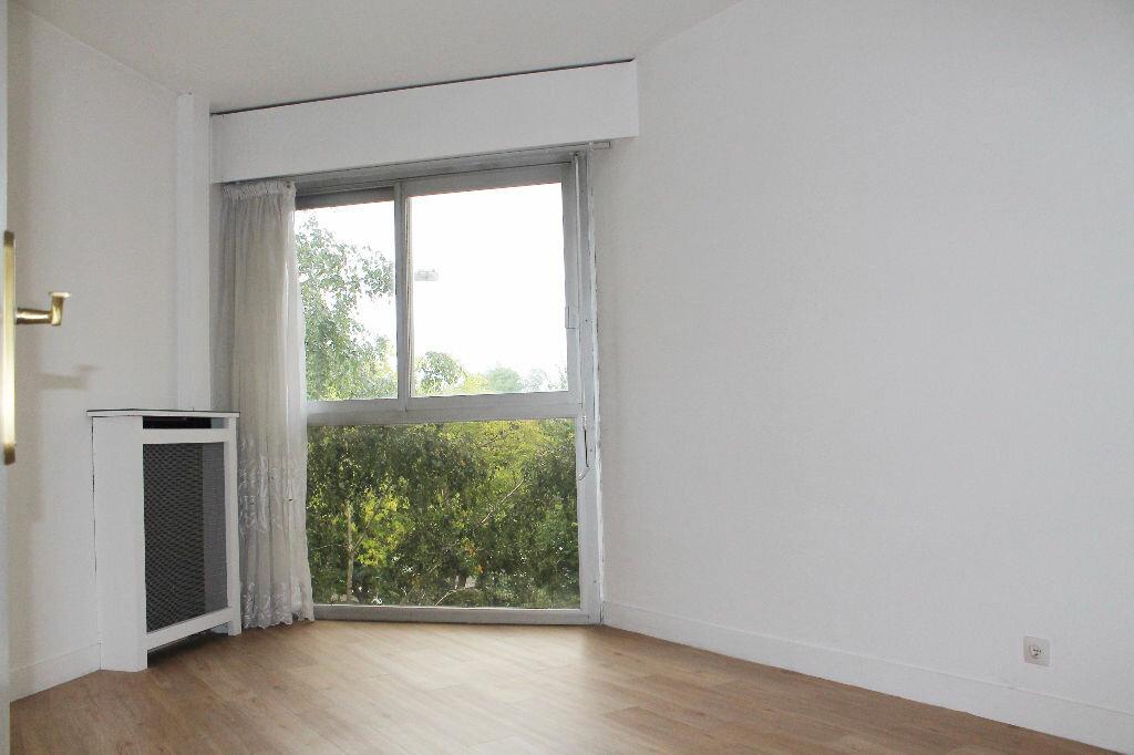 Achat Appartement 4 pièces à Saint-Germain-en-Laye - vignette-4