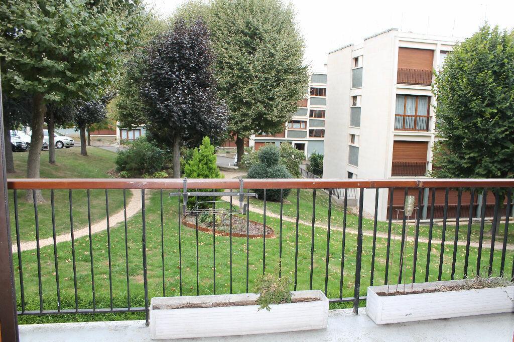 Location Appartement 4 pièces à Chambourcy - vignette-2