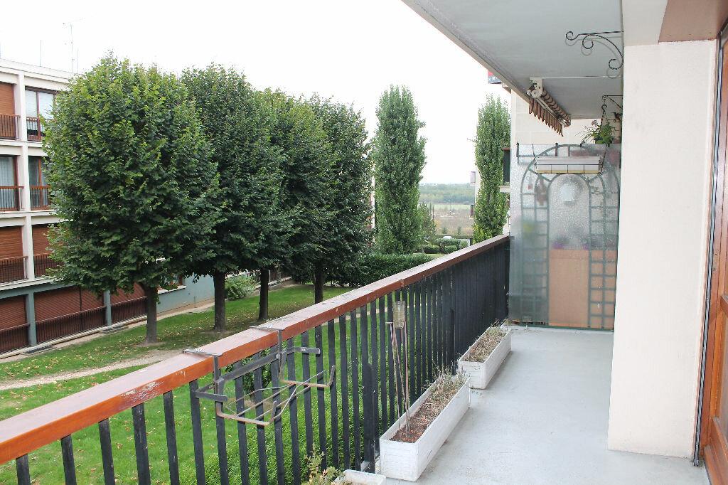 Location Appartement 4 pièces à Chambourcy - vignette-4