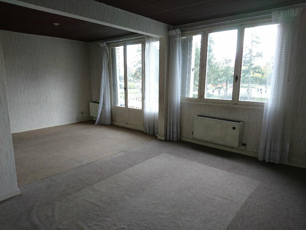 Achat Appartement 5 pièces à Vichy - vignette-1
