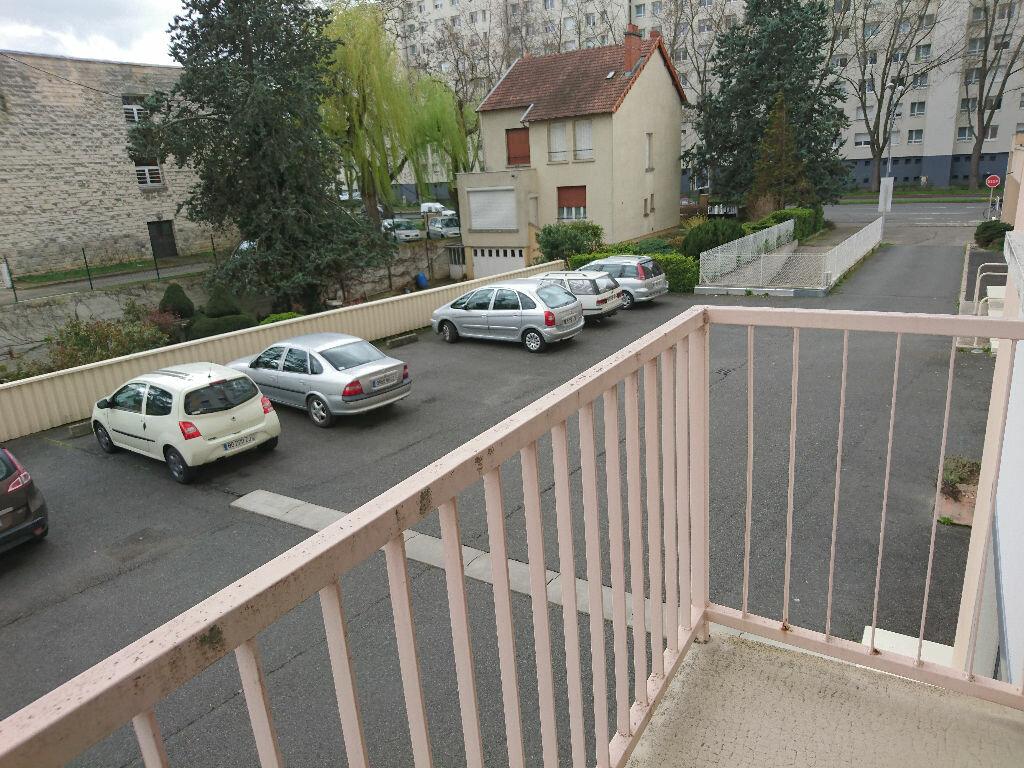 Achat Appartement 5 pièces à Vichy - vignette-3