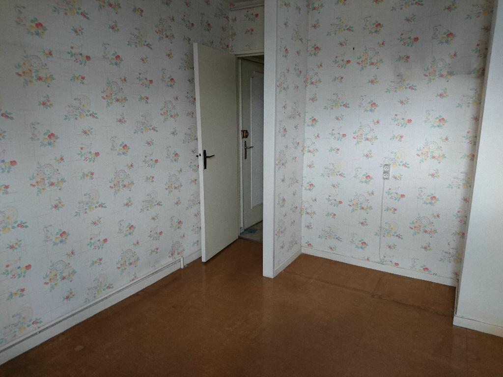 Achat Appartement 5 pièces à Vichy - vignette-4