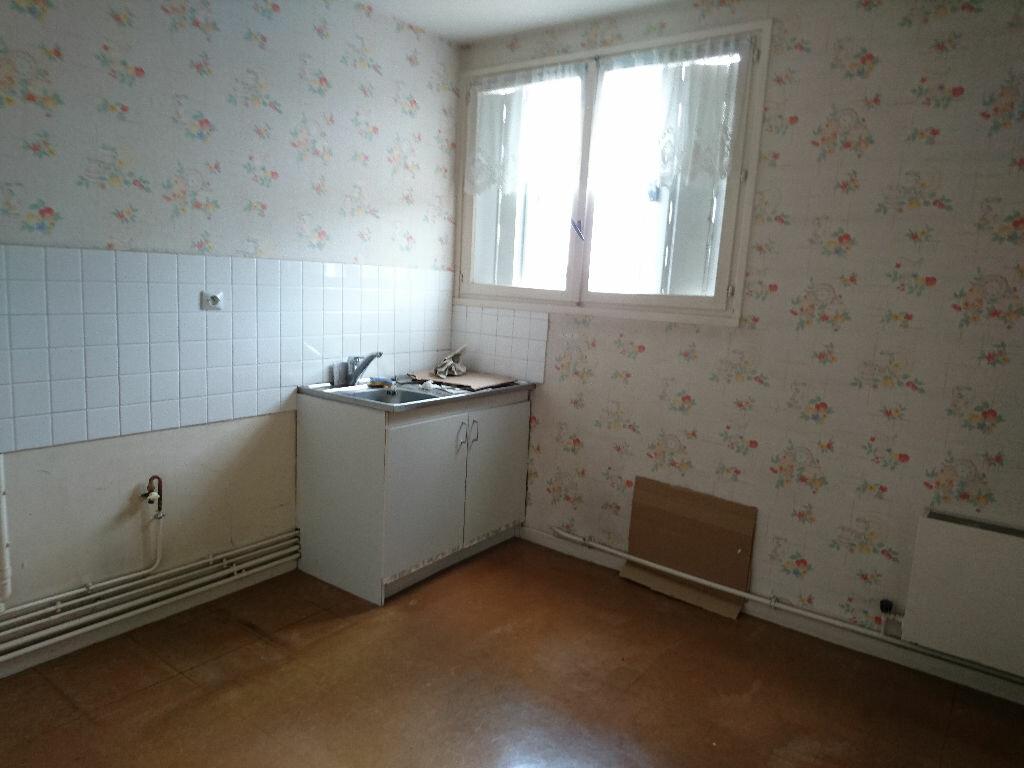 Achat Appartement 5 pièces à Vichy - vignette-5