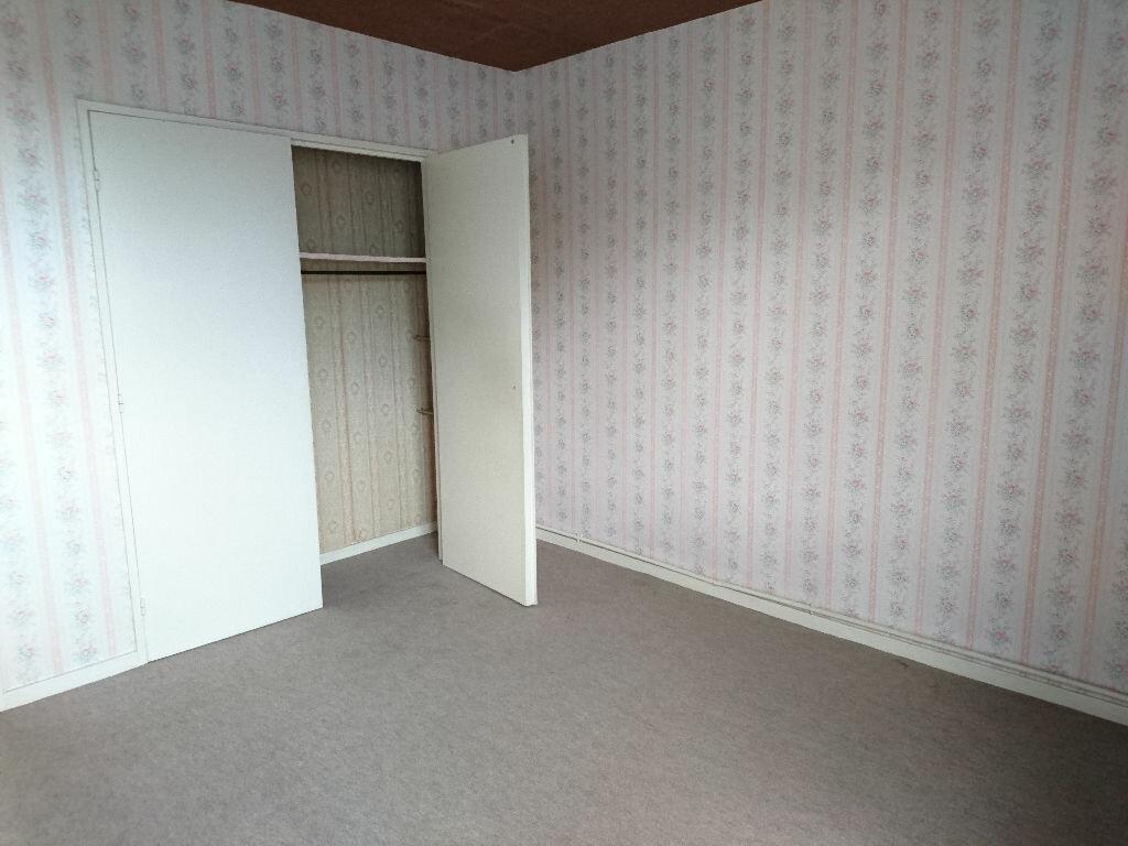 Achat Appartement 5 pièces à Vichy - vignette-6