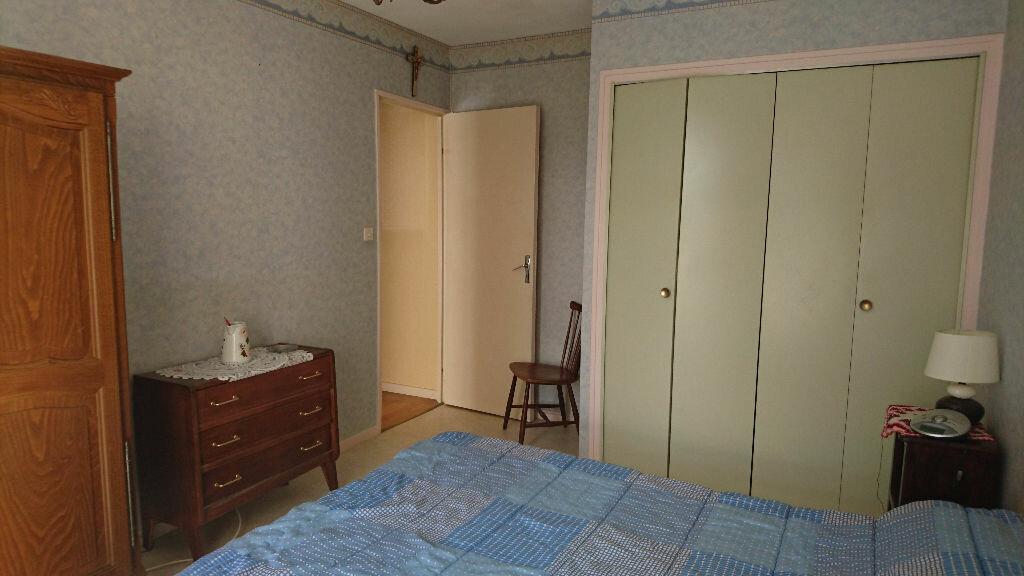 Achat Appartement 4 pièces à Vichy - vignette-4