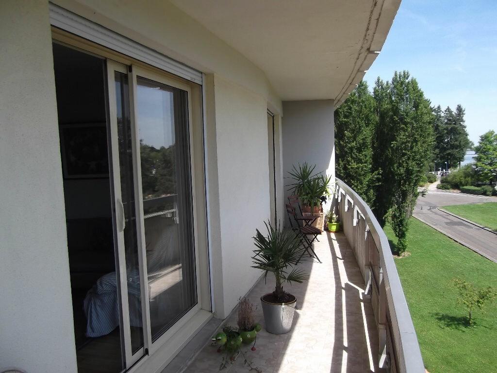 Achat Appartement 3 pièces à Bellerive-sur-Allier - vignette-2