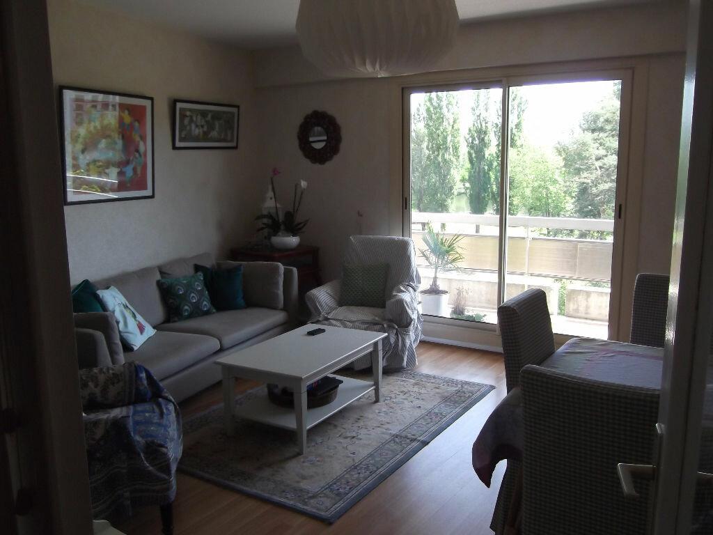 Achat Appartement 3 pièces à Bellerive-sur-Allier - vignette-9