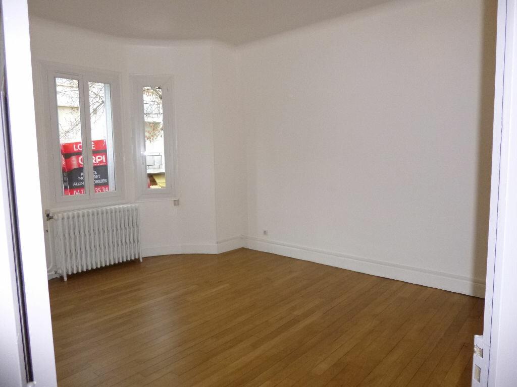 Location Appartement 3 pièces à Vichy - vignette-1