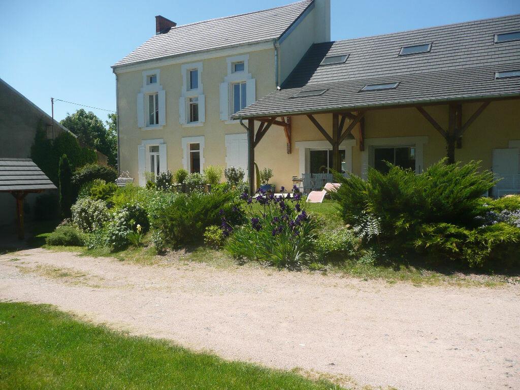 Achat Maison 9 pièces à Creuzier-le-Vieux - vignette-1
