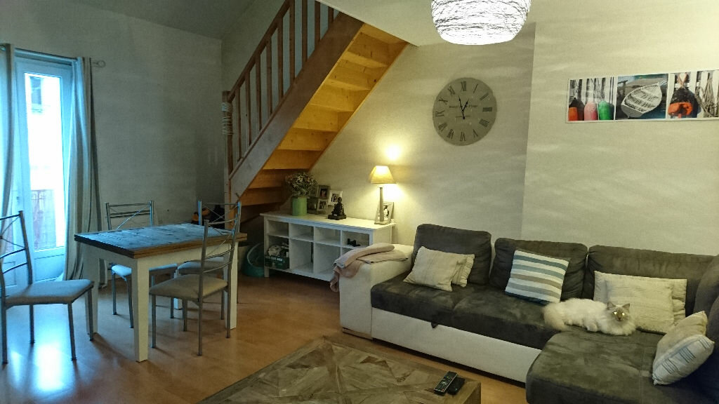 appartement vichy m t 3 vendre 69 500 orpi. Black Bedroom Furniture Sets. Home Design Ideas