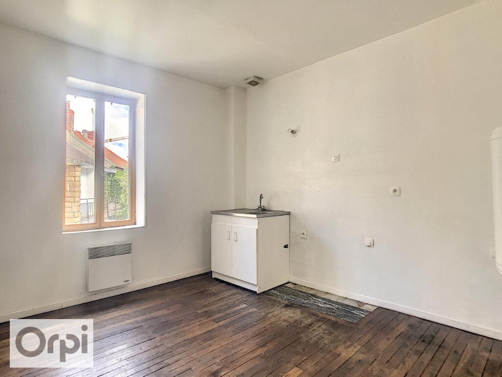 Location Appartement 3 pièces à Commentry - vignette-3
