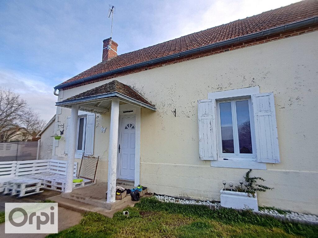 Location Maison 4 pièces à Montluçon - vignette-1