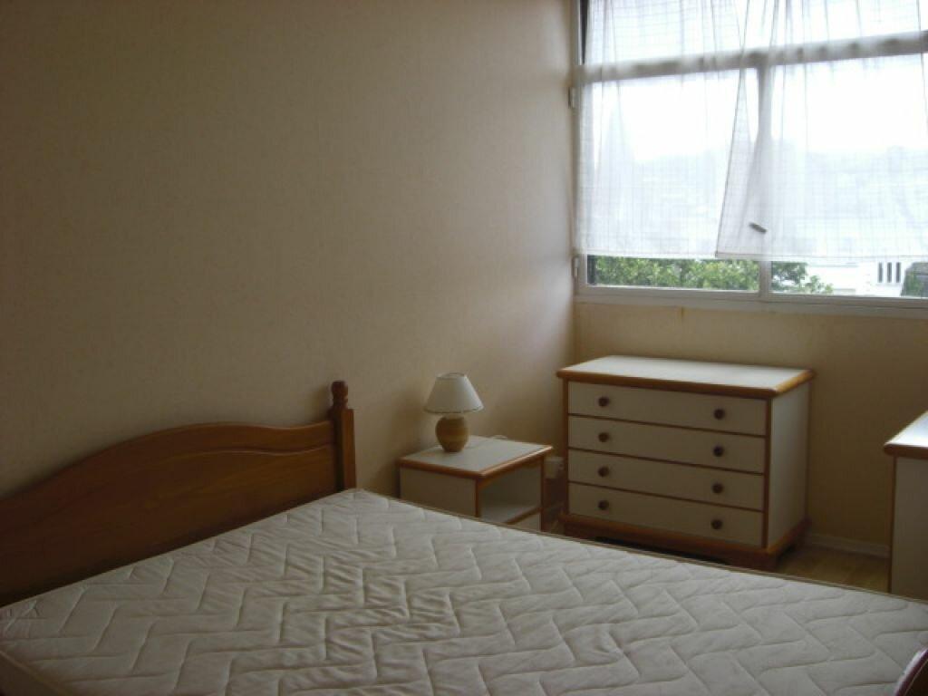 Location Appartement 4 pièces à Montluçon - vignette-5