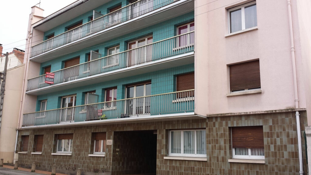 Location appartement 52 t montlu on 399 orpi for Location garage montlucon