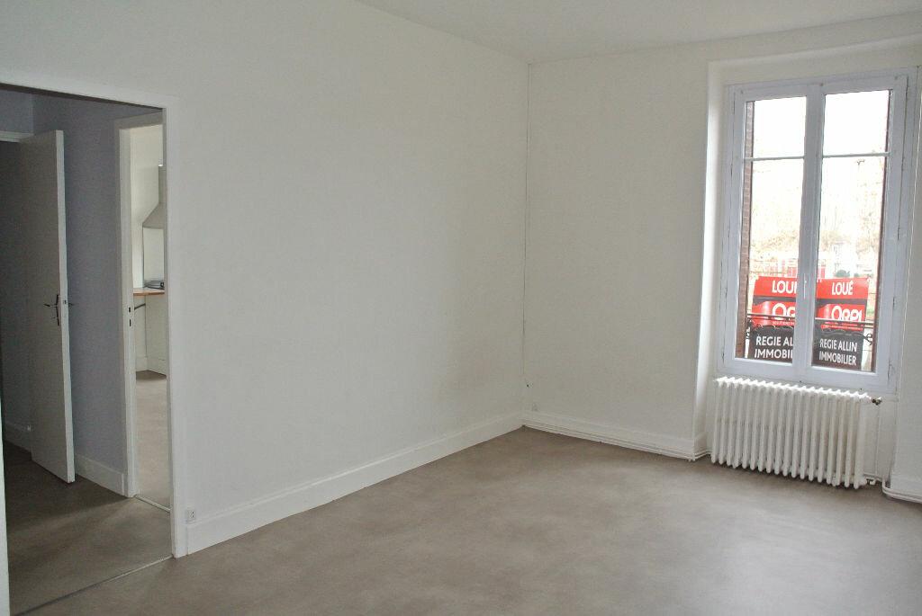 Location Appartement 3 pièces à Montluçon - vignette-5
