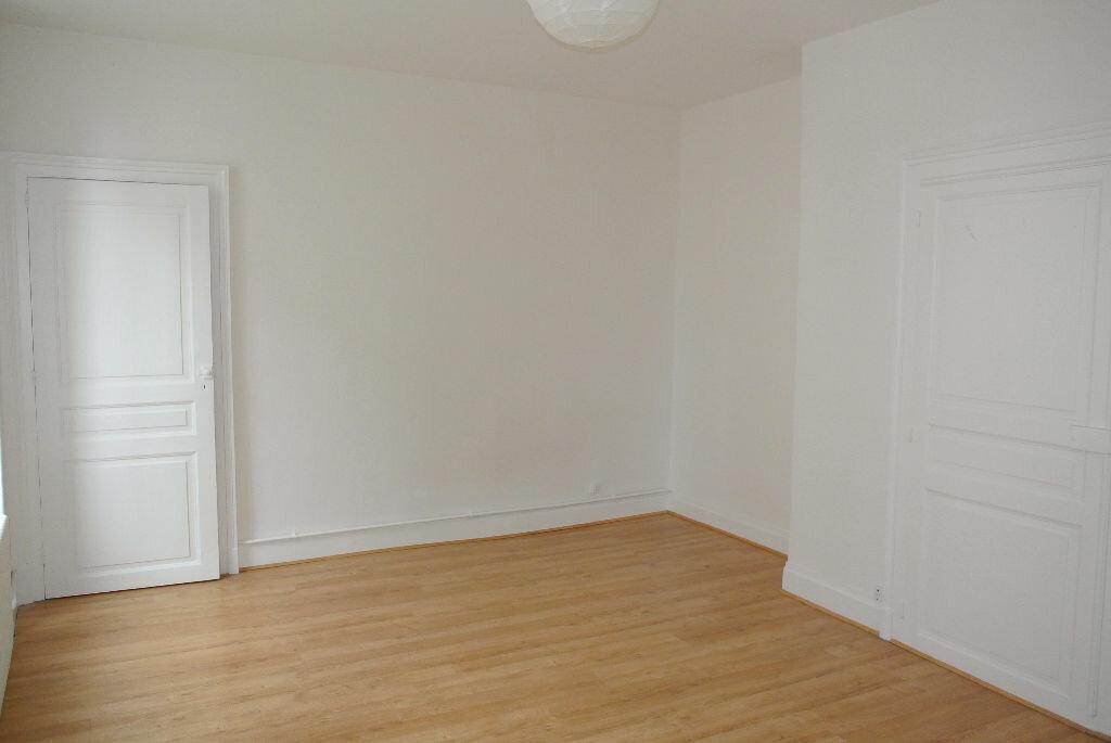 Location Appartement 3 pièces à Montluçon - vignette-7