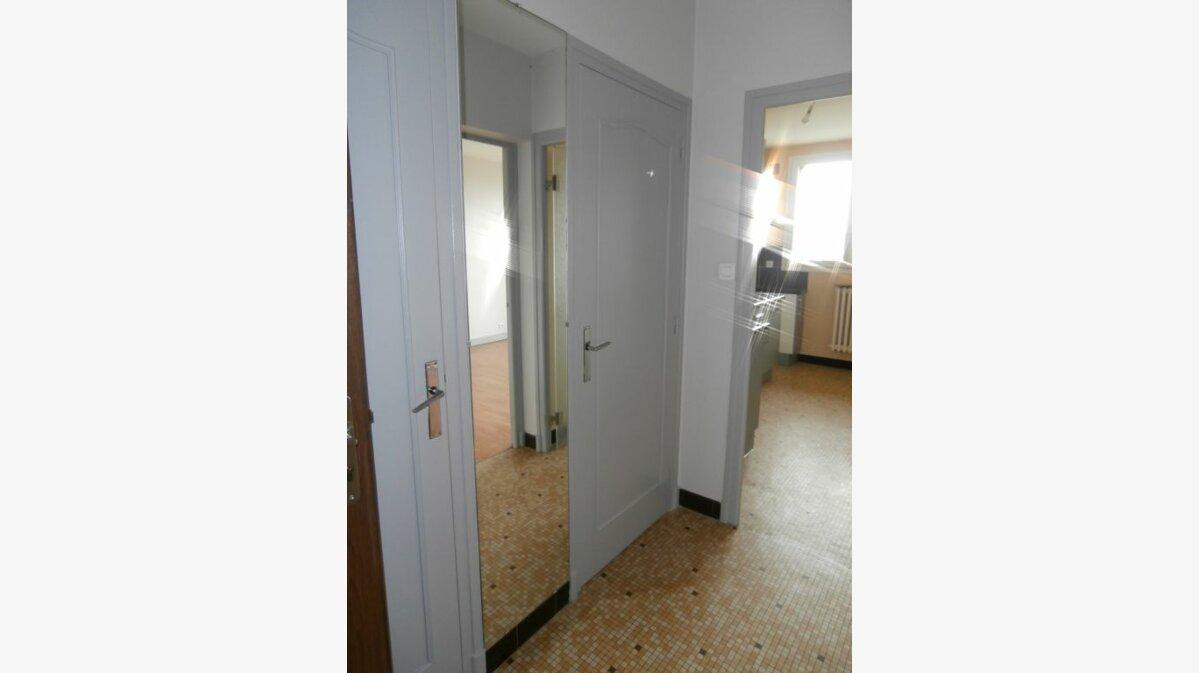 Location Appartement 2 pièces à Montluçon - vignette-2
