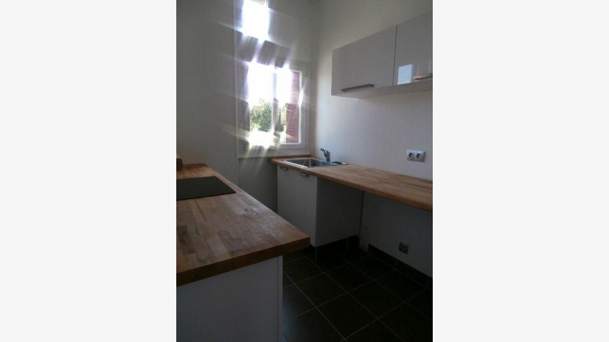 Location Appartement 3 pièces à Montluçon - vignette-2