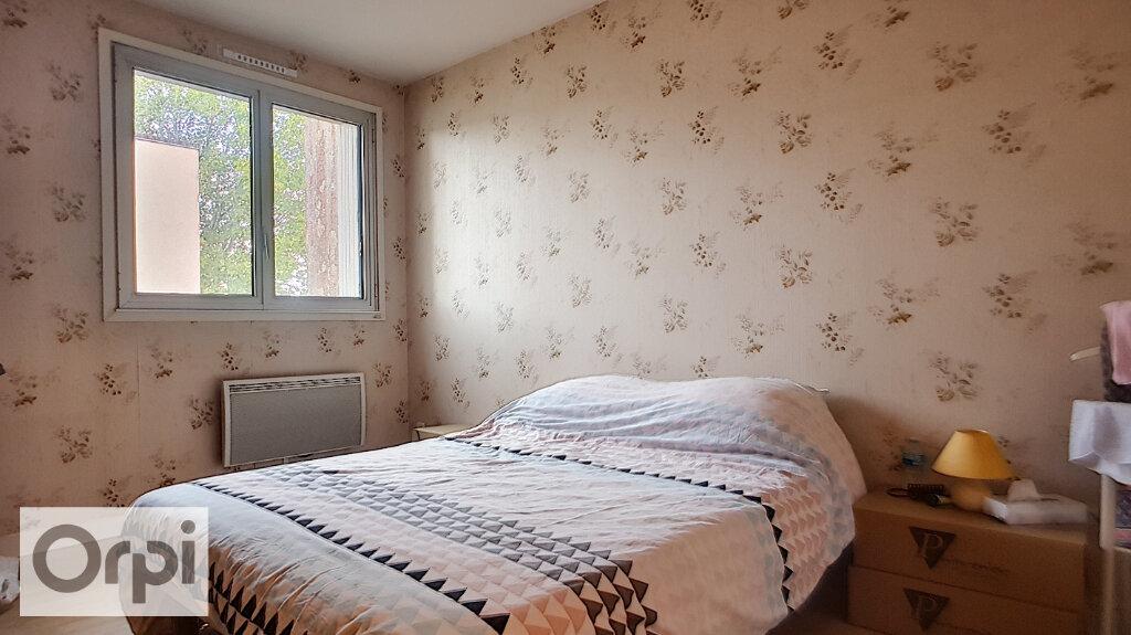 Location Appartement 4 pièces à Néris-les-Bains - vignette-4