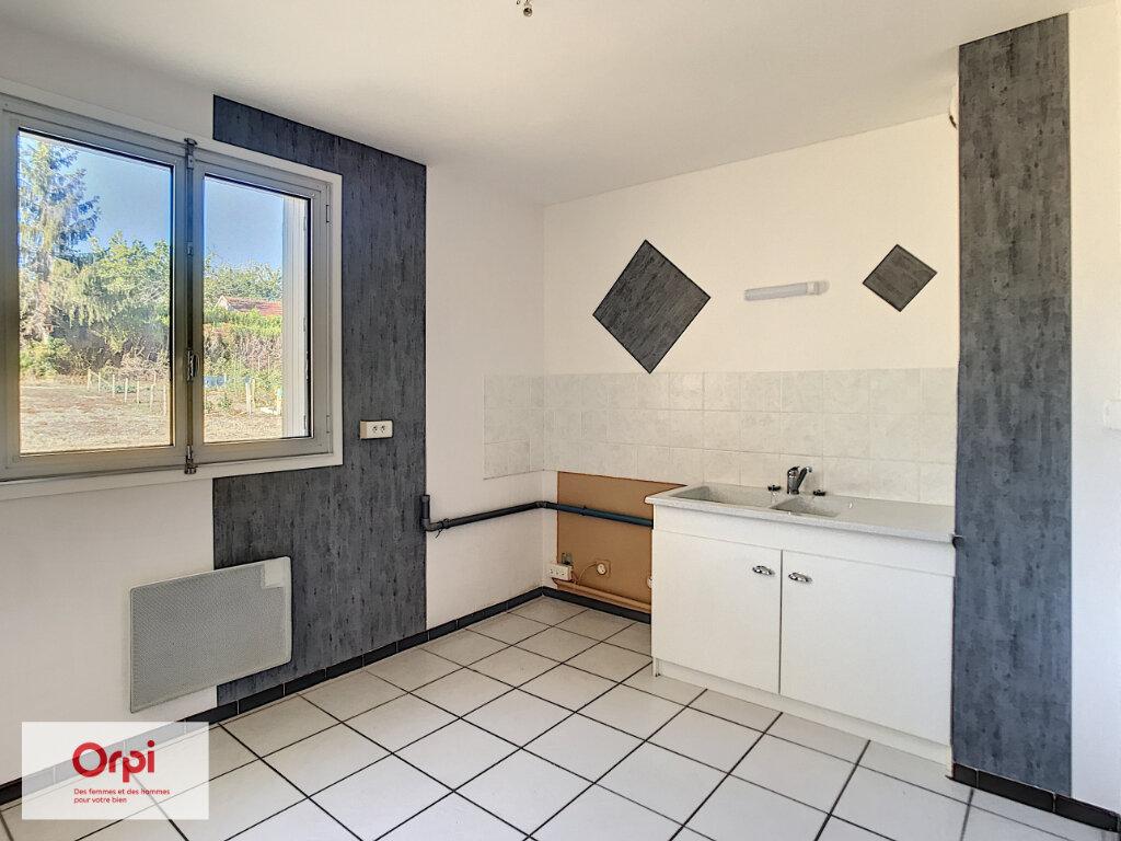 Location Appartement 3 pièces à Néris-les-Bains - vignette-1