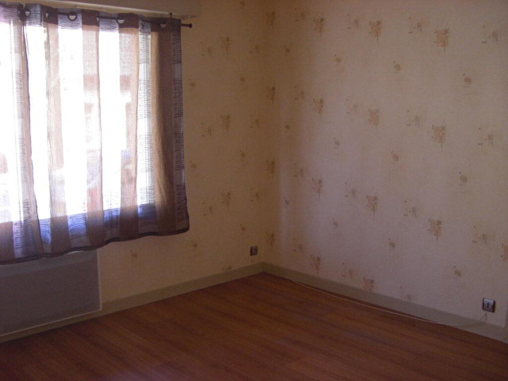 Location Appartement 1 pièce à Montluçon - vignette-4