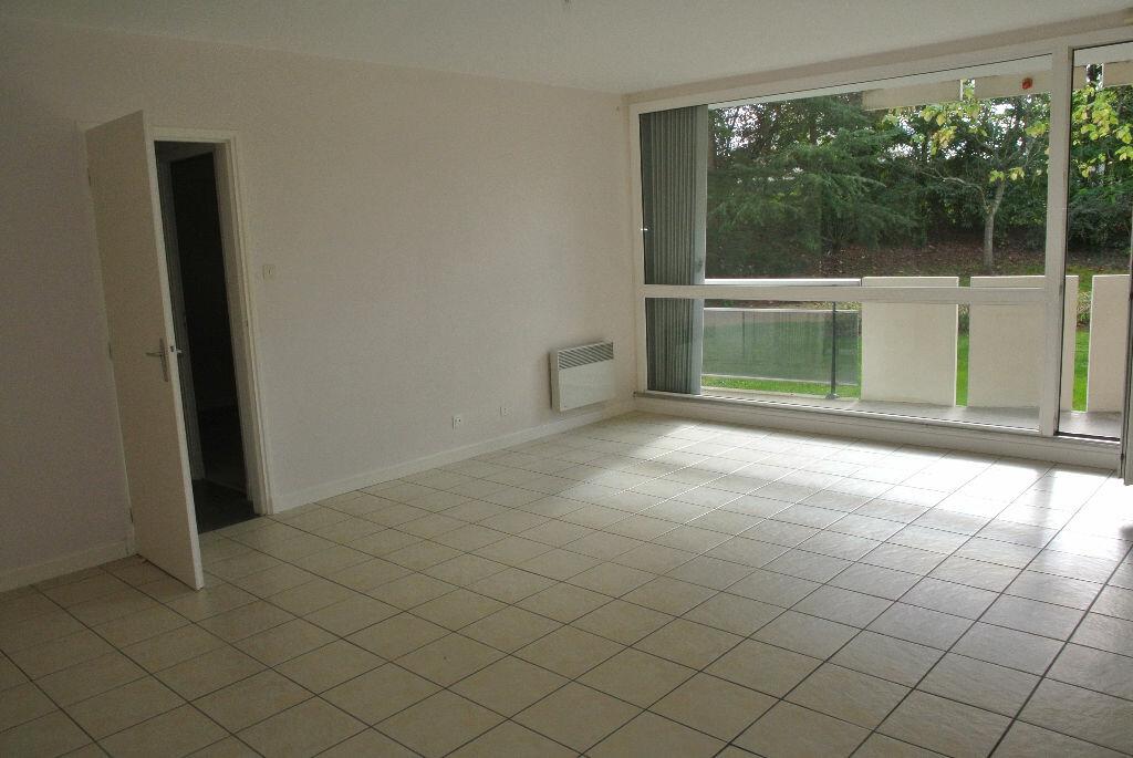 Location Appartement 4 pièces à Montluçon - vignette-3
